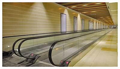 地铁手扶电梯安装
